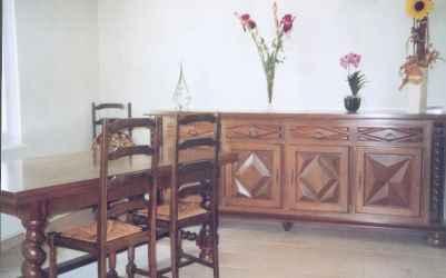 leer un anuncio proponga a vender mueble meuble louis xiii. Black Bedroom Furniture Sets. Home Design Ideas
